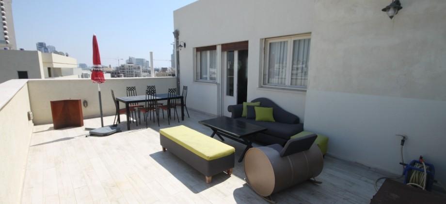 VACANCES : Duplex (4 ème étage) Ben Yehuda 120m²