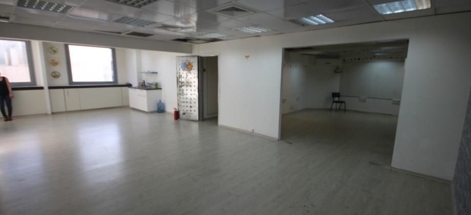 Bureaux (4 ème étage) Allenby / Ben Yehuda  80m²