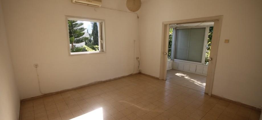 3 Pièces (3 ème étage) Quartier Yehuda Macabi 79m²