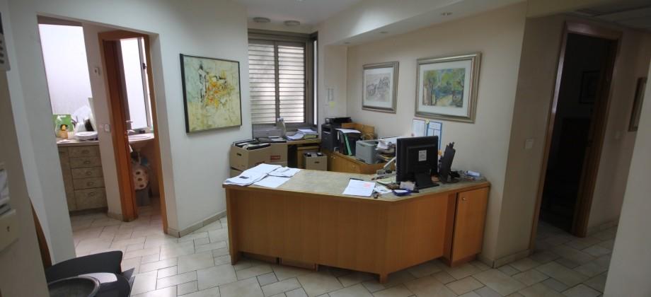 Bureaux 5 Pièces (1.5 Etage) Ibn Gavirol 85m²